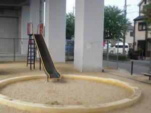 新幹線高架下4号児童遊園